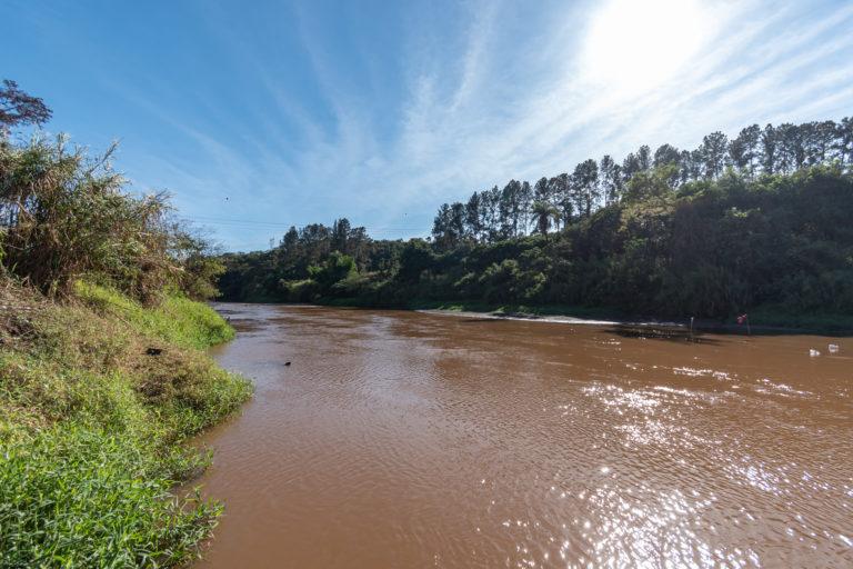 O rio Paraopeba foi afetado pelo desastre causado pelo rompimento de uma barragem de rejeitos de mineração operada pela Vale em 25 de janeiro de 2019. Imagem: cortesia de Luiz Guilherme Fernandes para Mongabay