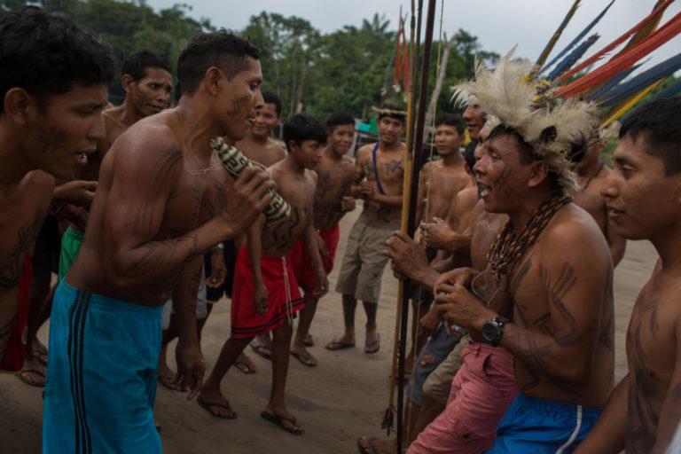 Povo indígena Kinja durante uma cerimônia na reserva Waimiri-Atroari em 2019 | Bruno Kelly/Amazônia Real.