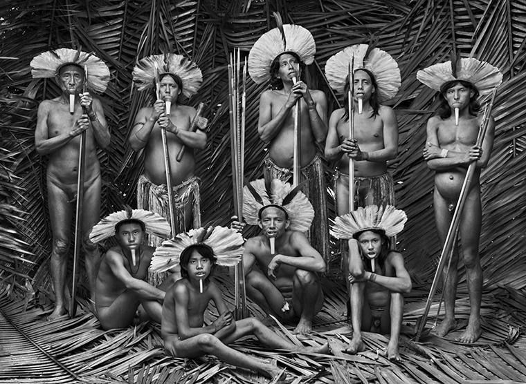"""""""Meu desejo é que este não seja o registro de um mundo perdido em 50 anos"""", diz Sebastião Salgado sobre seu novo livro 'Amazônia'"""