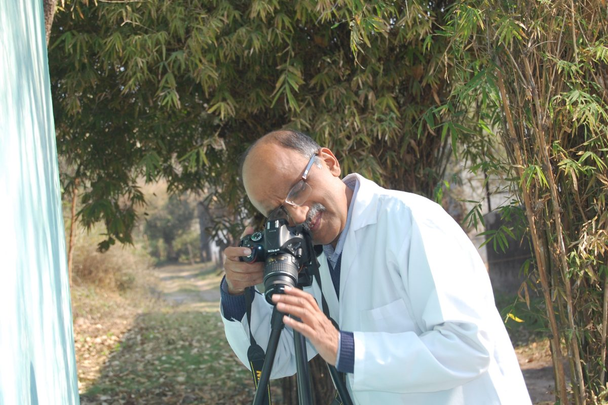 Vibhu Prakash at work. (Photo credit: Nikita Prakash)