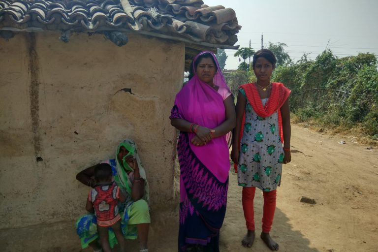 Angira Kewat (far right) of Muher village had to leave her studies due to coal mine adjacent to her village. Photo credit: Mayank Aggarwal/Mongabay-India.