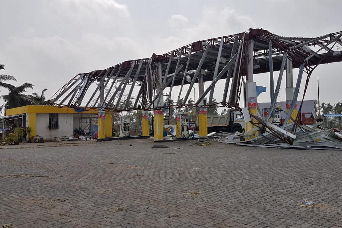 cyclone-fani-petrol-pump