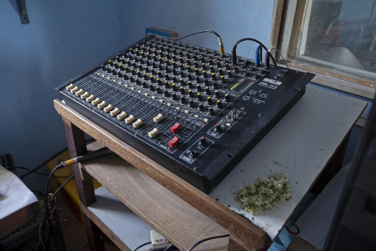 An audio mixer at the community radio station. Photo by Kartik Chandramouli/Mongabay.