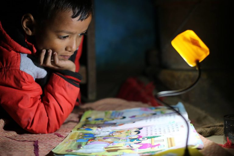 Over 6 million children in over a dozen Indian states have already been given solar lamps at a subsidised rate of Rs 200 each under the Million SoUL initiative. Photo from SoULS Initiative and IIT-Bombay.