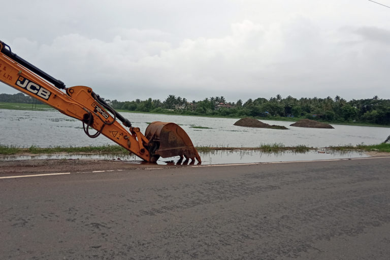 Ongoing work of the Margao Western Express Bypass in River Sal's floodplains. The construction work flooded many low-lying areas. Photo by Pamela D'Mello.