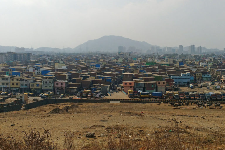 A dense human settlement near Deonar dumping site in Mumbai. Photo by Mumbai Sustainability Centre.
