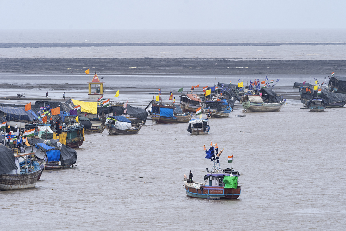 Fishing boats docked in Dahanu. The draft National Fisheries Policy released in February 2020 aims to accelerate the development of the fisheries sector by focusing on increasing investments, infrastructure and doubling of exports. Photo by Kartik Chandramouli/Mongabay.