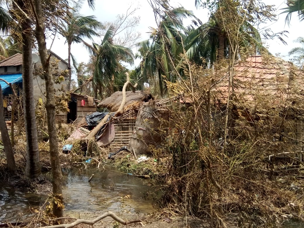 Houses destroyed in Patharpratima, South 24 Parganas after Cyclone Amphan struck Sundarbans. Photo by Sudhansu Maity.