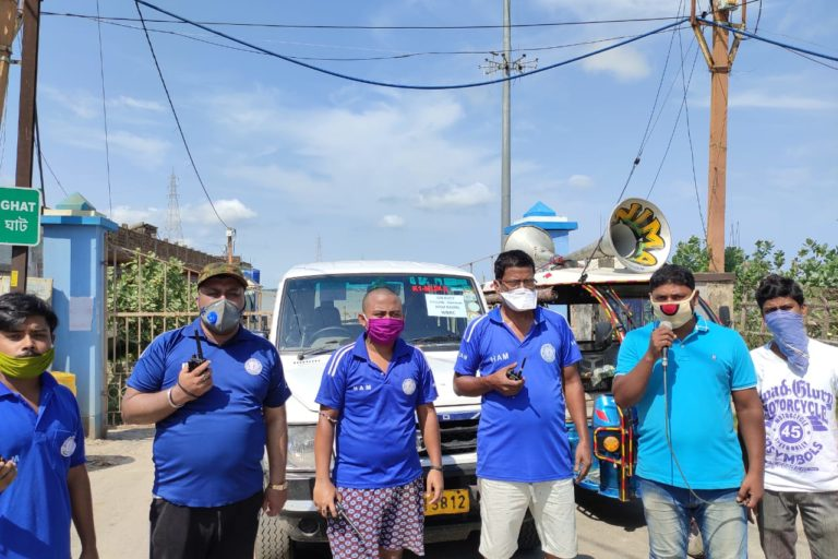 HAM Radio volunteers urging people to shift to cyclone relief centres a few hours before the cyclone landfall. Photo by Ambarish Nag Biswas.