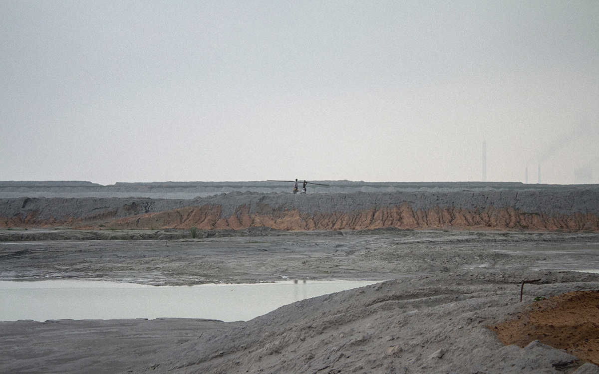 Bharat Aluminium Company Pvt Ltd (BALCO)'s fly ash pond in Korba after rainfall. Breaching of these ponds has caused contamination of neighbouring fields, water sources, and land. In 2015, Korba was also identified as a 'critically polluted area' by the Central Pollution Control Board. Photo by Vaishnavi Suresh.