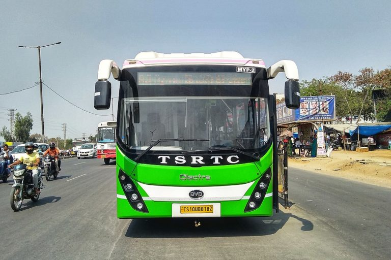 Electric buses are going to be a crucial part of India's focus on electric mobility. Photo by LoveofZ/Wikimedia Commons.