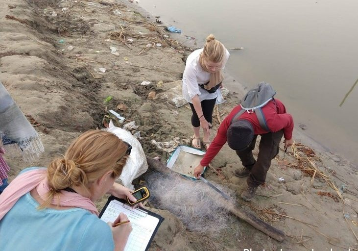 An all-women Source to Sea expedition team carried out a biodiversity threat assessment of Gangetic wildlife species most at risk from entanglement with, and impacts from, ghost fishing gear. Photo by Jenna Jambeck.