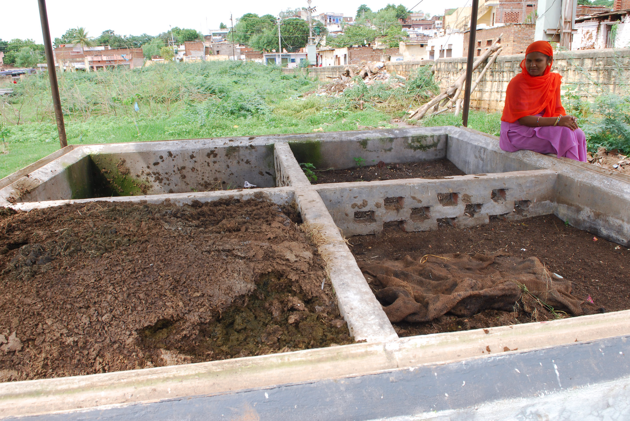 Worm composting in Gwalior, India. Photo by ILO-Vijay Kutty/Flickr.