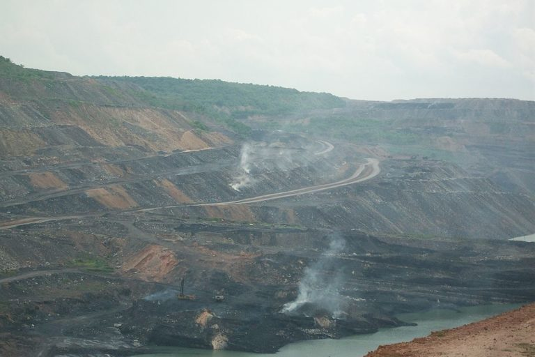 The central government aim is to end India's coal imports. Photo by Adityamadhav83/Wikimedia Commons.