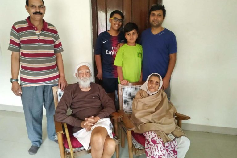 Besides being a social worker Sunderlal Bahuguna was a deeply affectionate family man. Photo provided by Rajiv Nayan Bahuguna.