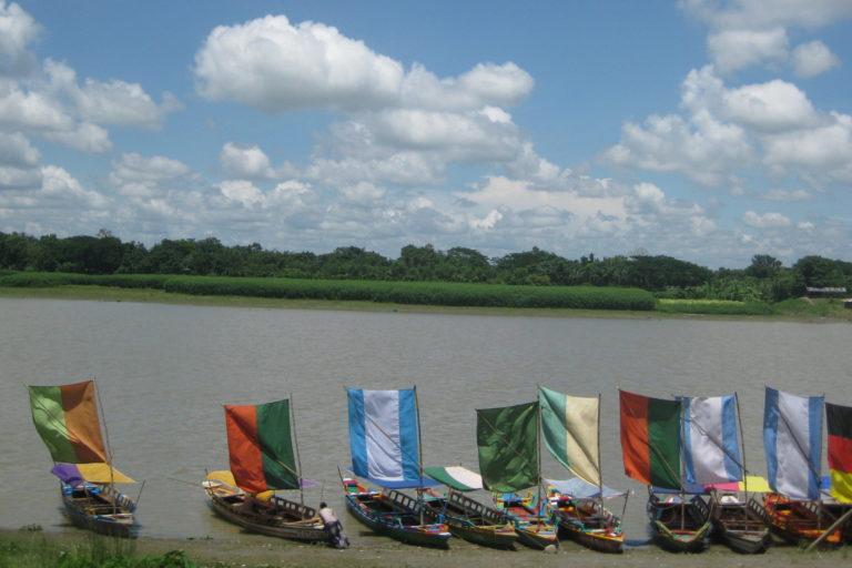 Sailboats in Brahmaputra river in Mymensingh, Bangladesh. Photo by Ibrahim Husain Meraj/Wikimedia Commons.