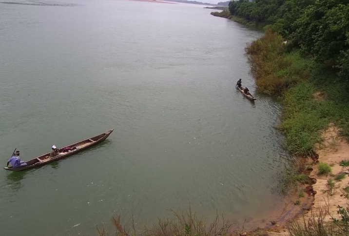River squad of Odisha Forest Department patrolling in the Mahanadi stretch. Photo by Odisha Forest Department.
