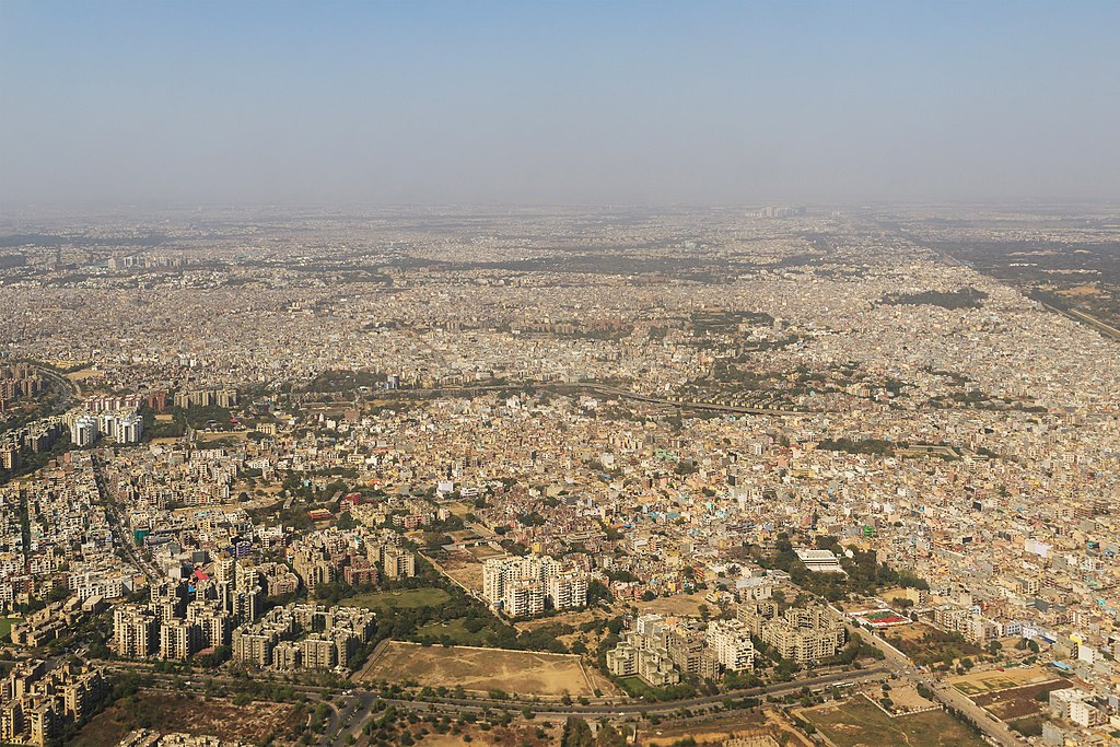 An aerial view of densely-populated urban Delhi. Photo by A. Savin/Wikimedia Commons.