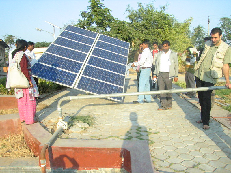 Experts emphasise decentralised solar power systems are a huge opportunity for the clean energy industry. Photo by Ajay Tallam/Flickr.