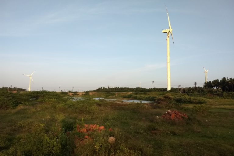 India's wind power target by 2022 is 60 GW. Land issues and lack of policy support are some of the main aspects hampering the growth of the wind power sector of India. Photo by P. Jeganathan/Wikimedia Commons.