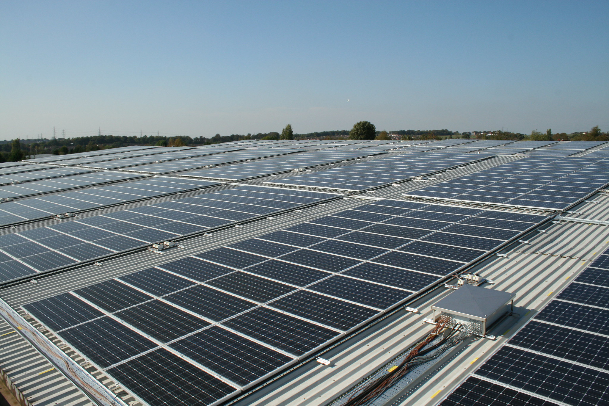 Adoption of rooftop solar by industries or big consumers like universities can be very effective in bringing a positive behavioural change. Photo by h080/Flickr.