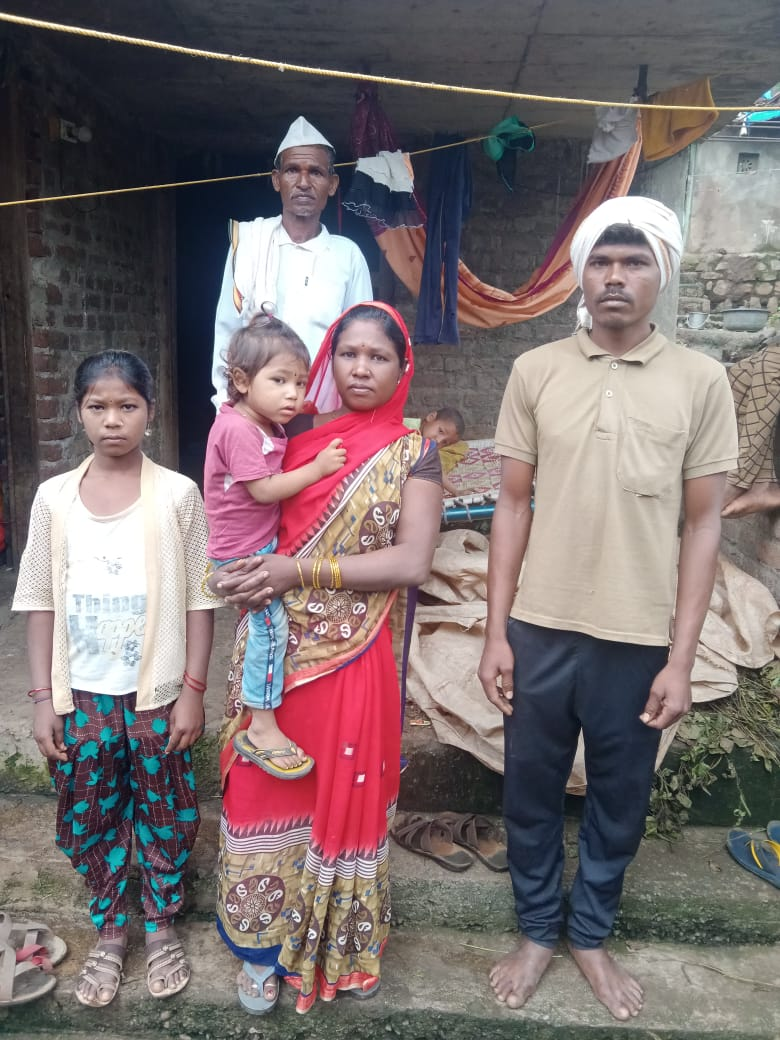 The Dhandekar family who were forced out of their house eight months ago in Pastalai village in Amravati district and have been implicated in a false case about extracting wood from the forest in the district. Photo by Special Arrangement.