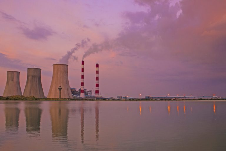 Cooling towers of a thermal power plant based in Haryana. Over the past two weeks, India witnessed an intense debate over the shortage of coal which many cautioned could lead to power cuts or blackout. Photo by Vikramdeep Sidhu/Wikimedia commons