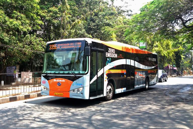 बैंगलुरु में इस तरह के इलेक्ट्रिक बस चलने शुरू हो गए हैं। फोटो- रमेश एनजी फ्लिकर