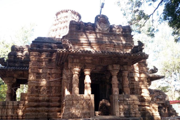 भोरमदेव के इसी मंदिर के नाम पर जंगल का नामकरण हुआ है। इसे छत्तीसगढ़ का खजुराहो भी कहते हैं। तस्वीर- प्रिंस/विकिमीडिया कॉमन्स