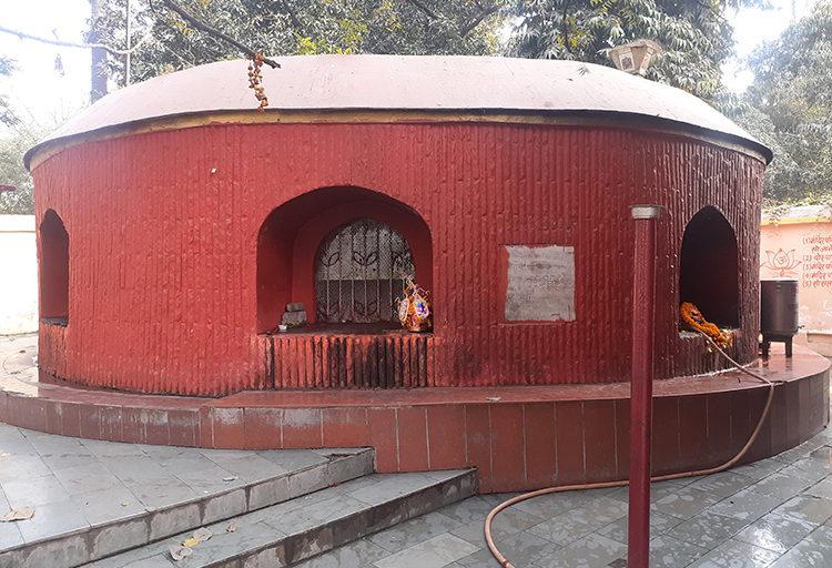 पटना में इस कुएं को मौर्यकालीन माना जाता है। इसे अगमकुआं के नाम से जाना जाता है। तस्वीर-पुष्यमित्र