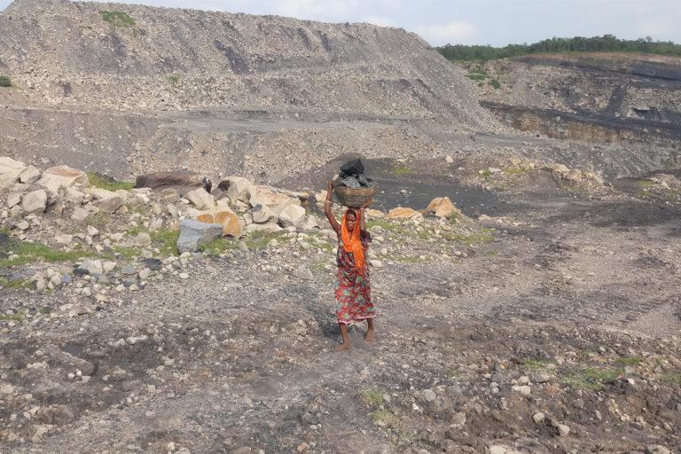 देश के खनन प्रभावित क्षेत्रों में न सिर्फ वन संपदा को नुकसान हुआ है बल्कि वहां के स्थानीय लोगों पर भी खनन का दुष्प्रभाव दिखता है। तस्वीर- गुरविंदर सिंह